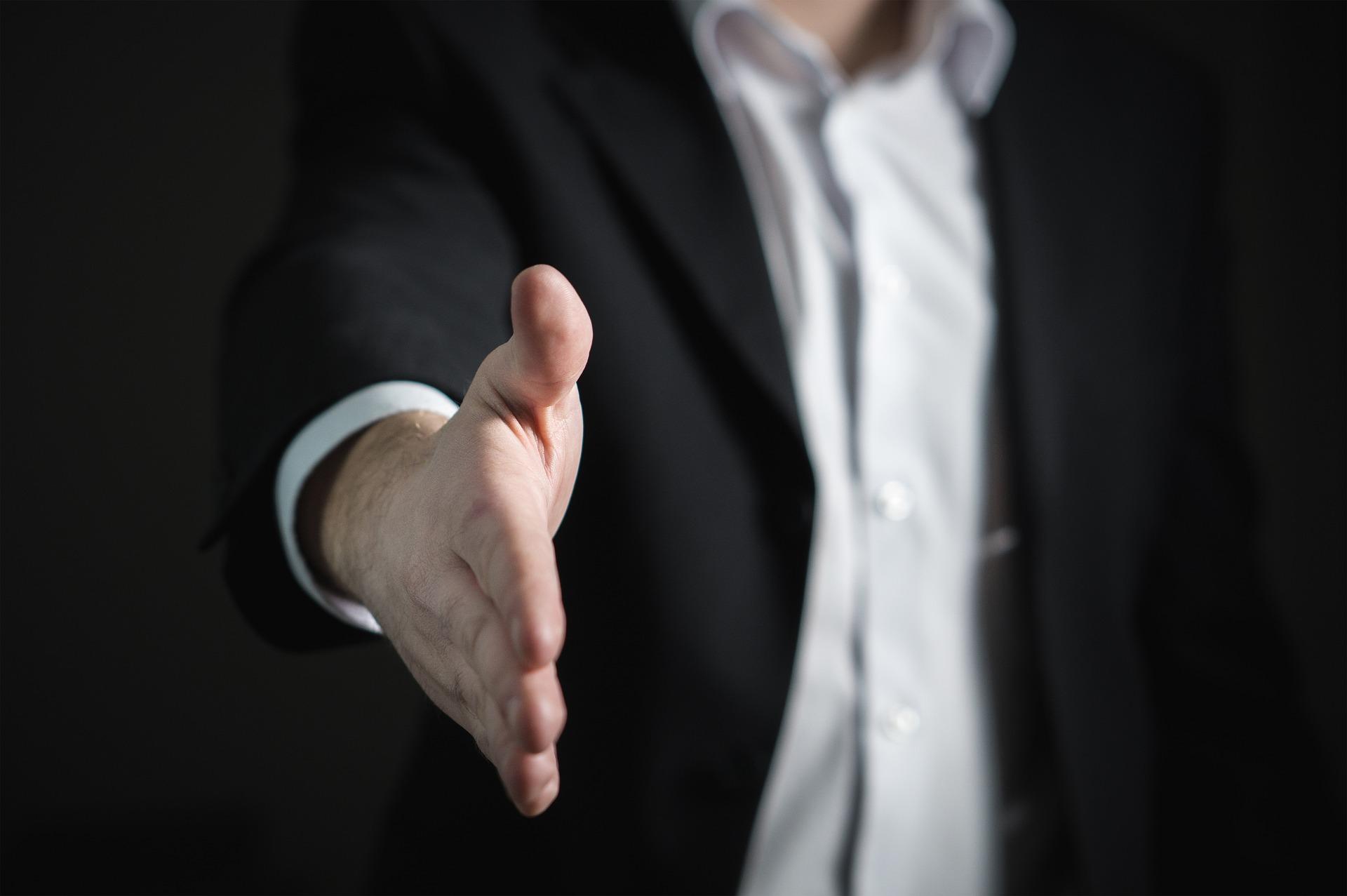 Por qual motivo contratar novos funcionário na crise?